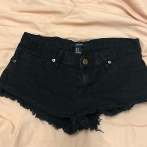Forever 21 size 26 (in.) black short shorts